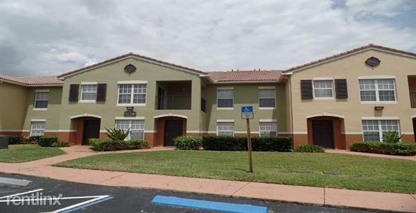 10290 S. Fox Trail Unit 100, Royal Palm Beach, FL