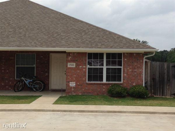 1700 Rock Hollow Loop # 1702, Bryan, TX