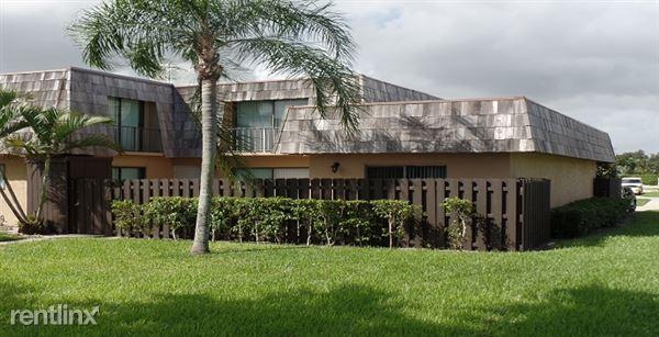 6002 Waterview Cir, Palm Springs, FL