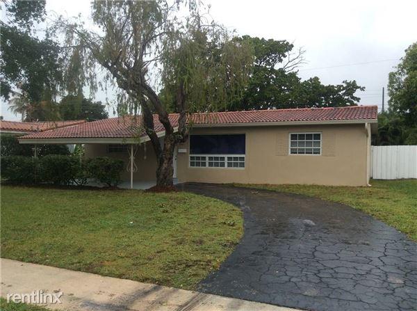6541 Thomas St, Hollywood, FL