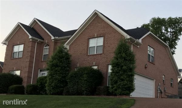 223 Crooked Creek Lane, Hendersonville, TN