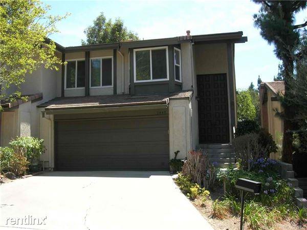 2445 N North Creek Ln, Fullerton, CA