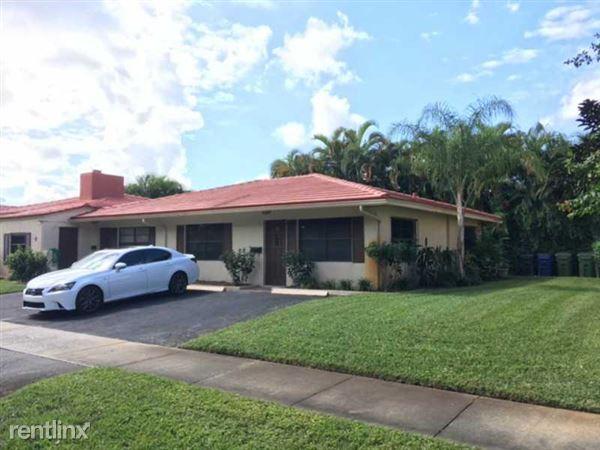 7th St, Fort Lauderdale, FL