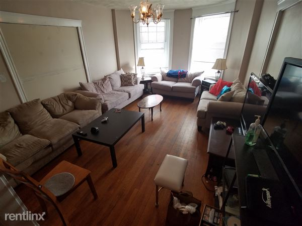 182 Saint Paul St Apt 1, Brookline, MA