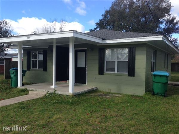 139 Pine Grove Ave, Biloxi, MS