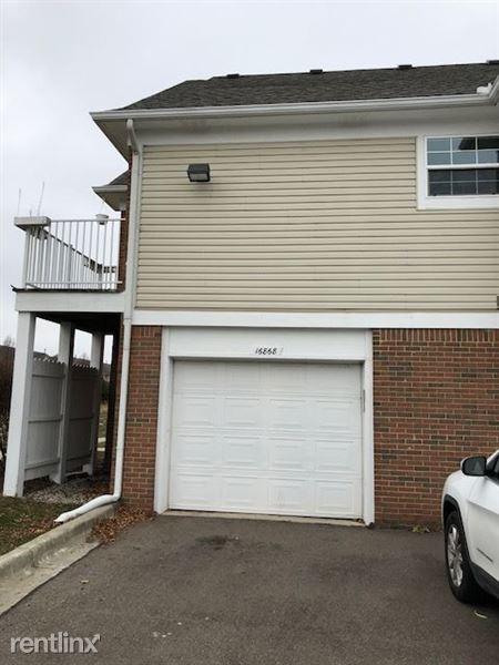 16868 Glenmoor Blvd, Macomb, MI