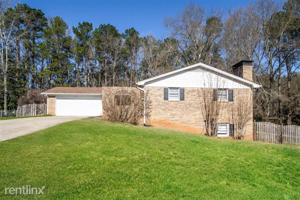 2950 Robertswood Drive, Powder Springs, GA