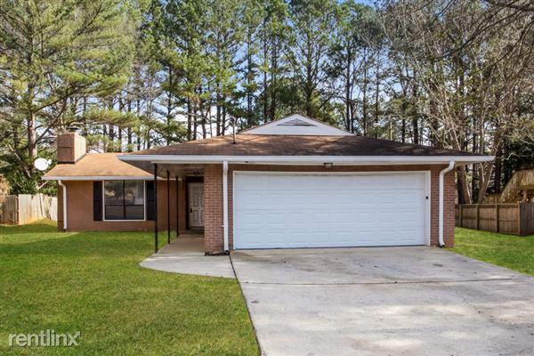 3835 Springside Lane, College Park, GA