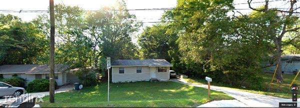 806 Lipona Rd., Tallahassee, FL