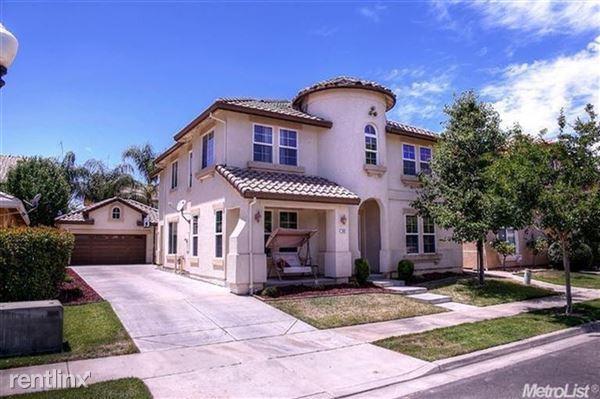 614 Stetson Drive, Oakdale, CA
