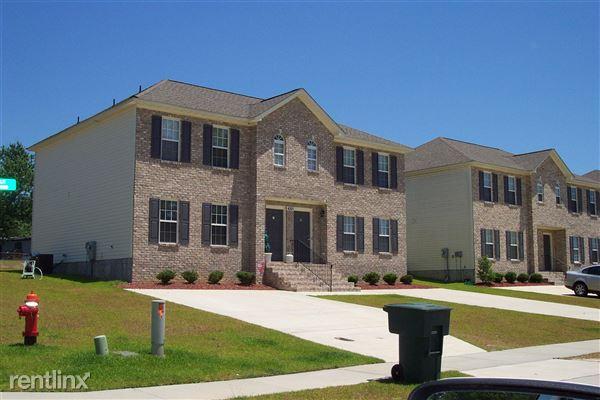 4140 Brook Creek Ln, Greenville, NC