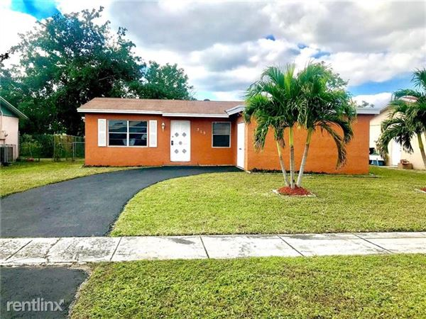 315 Sw 76th Ter, North Lauderdale, FL