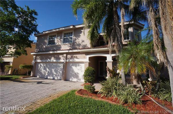 16337 SW 15th St, Pembroke Pines, FL