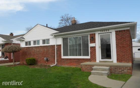 26260 Marlene St, Roseville, MI
