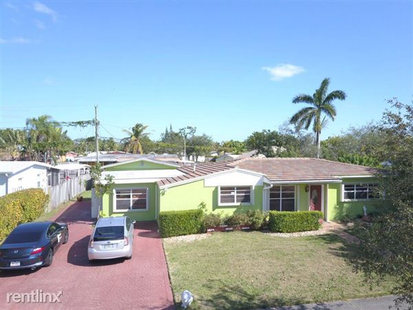20111 Eagle Nest Rd, Cutler Bay, FL