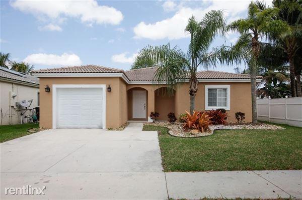 2440 Sw 106th Ave, Miramar, FL