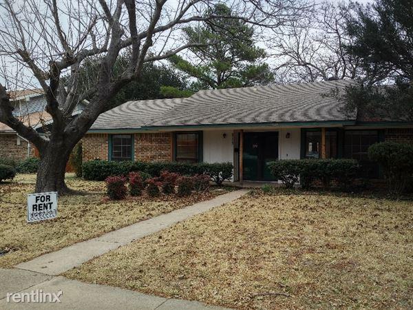 515 Pine Bluff Drive, Lewisville, TX