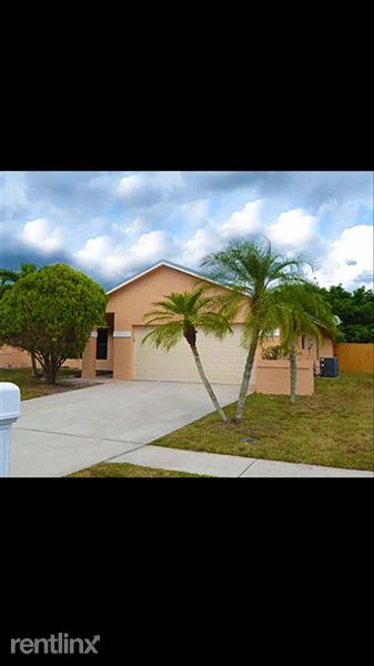 103 Ssunflower Cir, Royal Palm Beach, FL