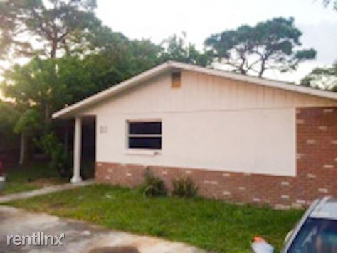 5835 Elm St, New Port Richey, FL