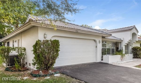 4533 Nw 88th Ter, Coral Springs, FL