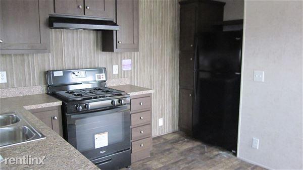 3501 Auburn Rd, Auburn Hills, MI