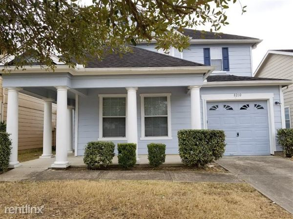 8210 Wooded Terrace Ln, Humble, TX