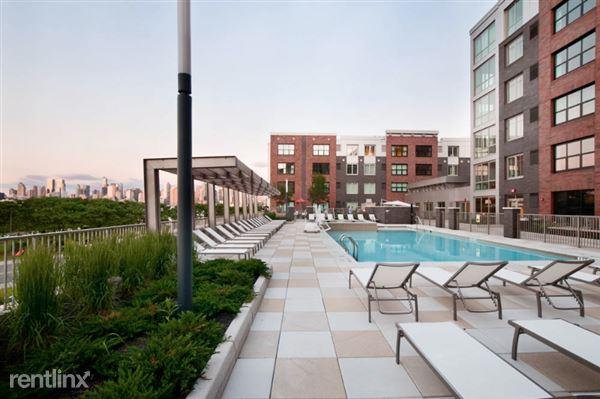 89 Clifton Terrace 1, Weehawken, NJ