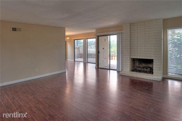 410 Pinehurst Ct, Fullerton, CA