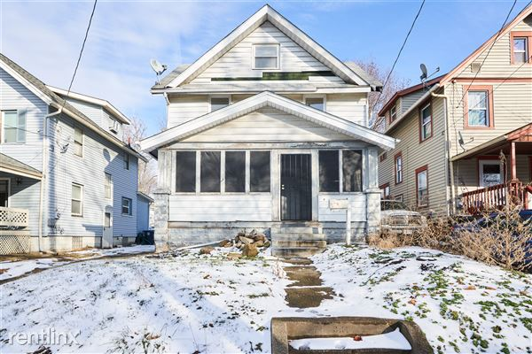 567 Garry Rd, Akron, OH