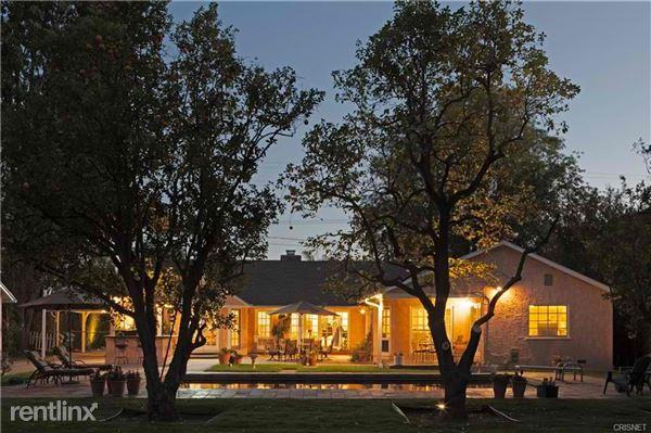13723 Magnolia Blvd, Sherman Oaks, CA