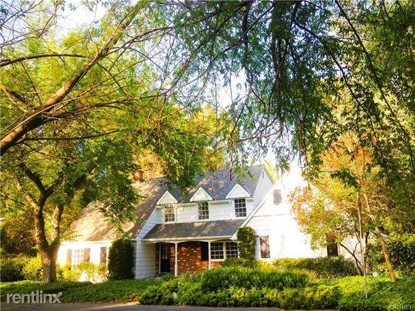 19939 Wells Dr, Woodland Hills, CA