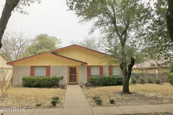 2725 Branch Oaks Drive, Garland, TX