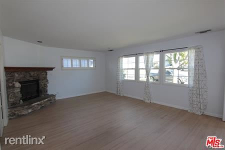 5643 Ramara Ave, Woodland Hills, CA