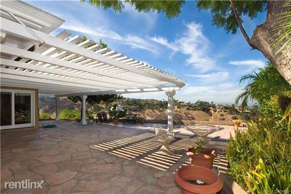 3843 Beverly Ridge Dr, Sherman Oaks, CA