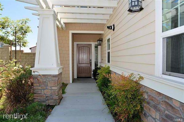 16722 Clubhouse Dr, Yorba Linda, CA