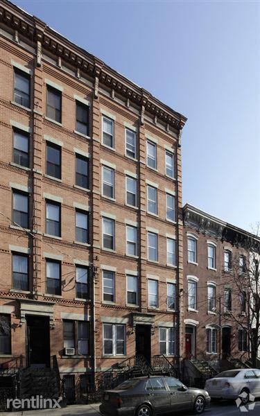 913 Garden St, Hoboken, NJ