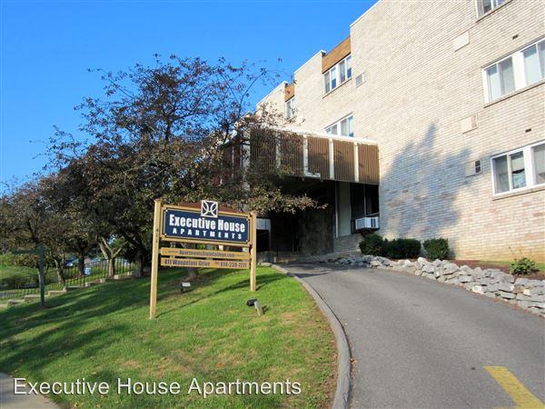 411 Waupelani Dr., State College, PA