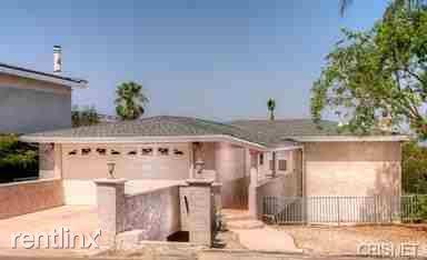 21521 Arcos Dr, Woodland Hills, CA