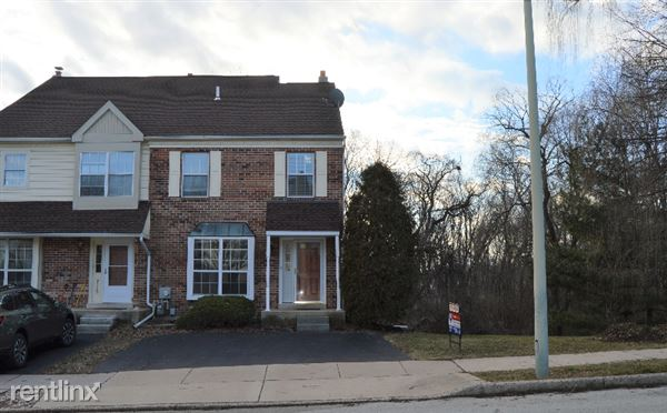 2440 Hillendale, Norristown, PA