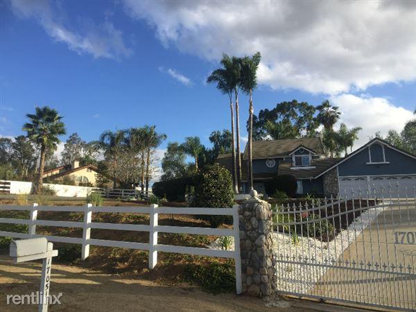 Songbird Lane, Riverside, CA