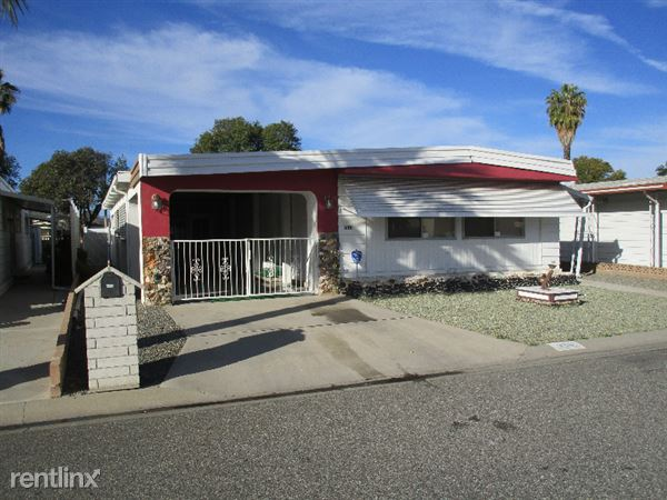 330 San Mateo Cir, Hemet, CA