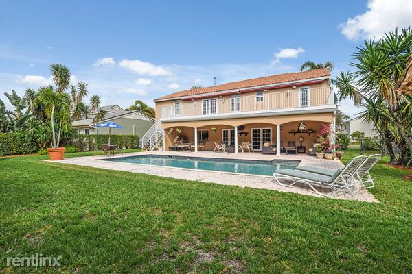 10221 Hunt Club Ln, Palm Beach Gardens, FL