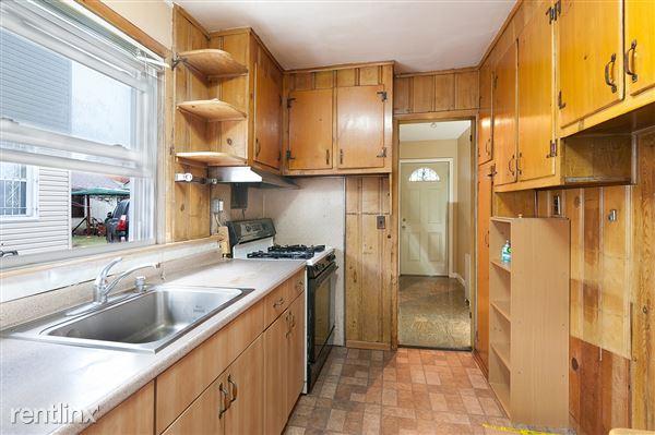 17015 84th Rd, Jamaica, NY