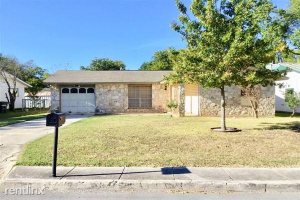 606 Oak Street, Converse, TX