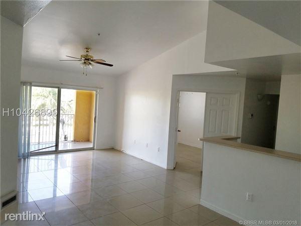 631 Sw 111th Ln, Pembroke Pines, FL