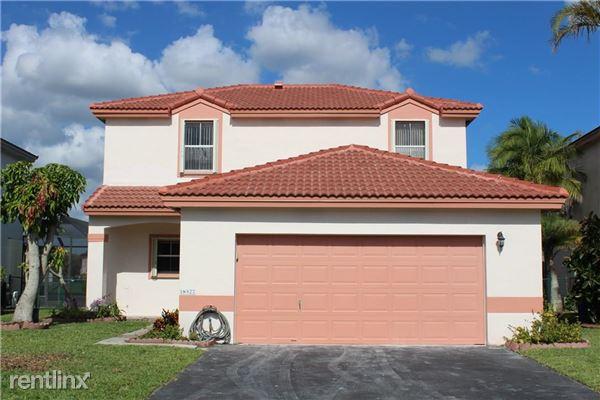 18527 Nw 19th St, Pembroke Pines, FL