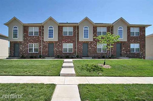 453 Parkside Commons Ct, Collinsville, IL