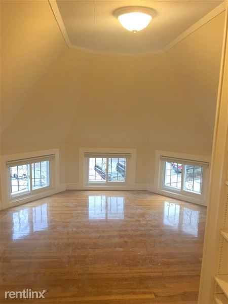 361 Massachusetts Ave # 3, Arlington, MA
