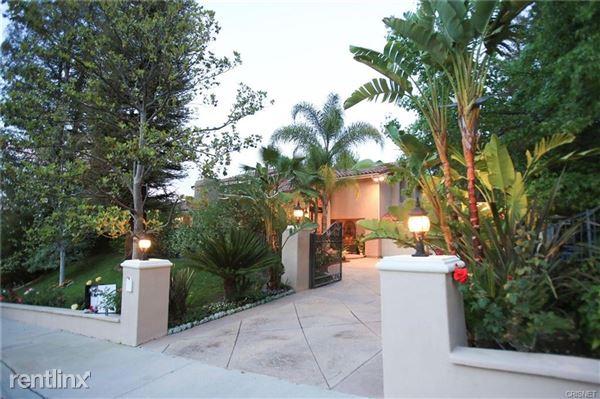 23730 Park Belmonte, Calabasas, CA