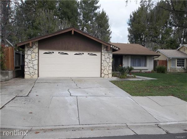 8460 Samra Dr, West Hills, CA
